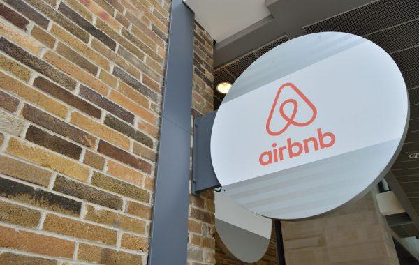 Airbnb-Perol-Demission