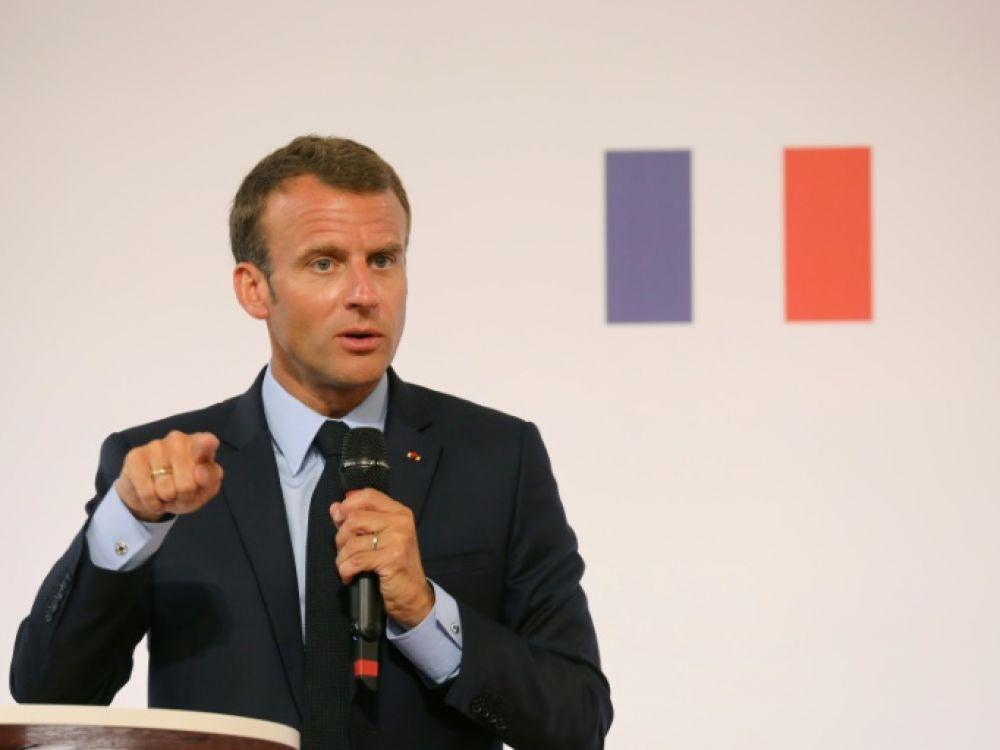 Banlieue, France, Macron, Borloo